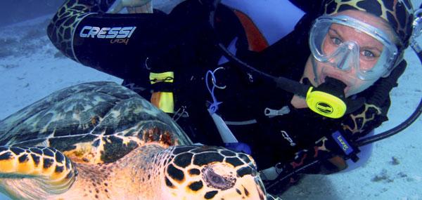 ScubaDoRag-TurtleLove-Cressi-Shaina